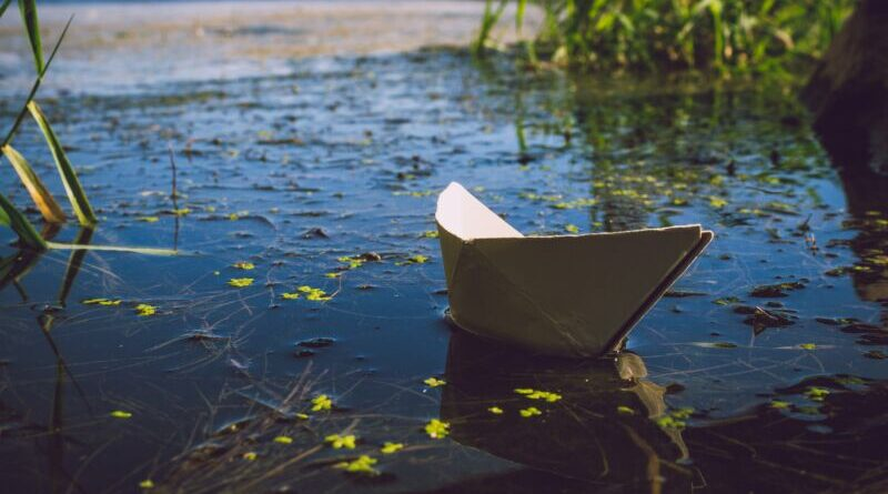 Сказка про маленьких человечков в кораблике